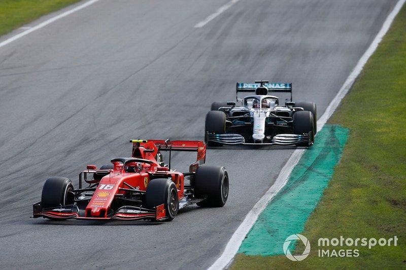 Lewis Hamilton – volta 23 (após disputa com Leclerc)