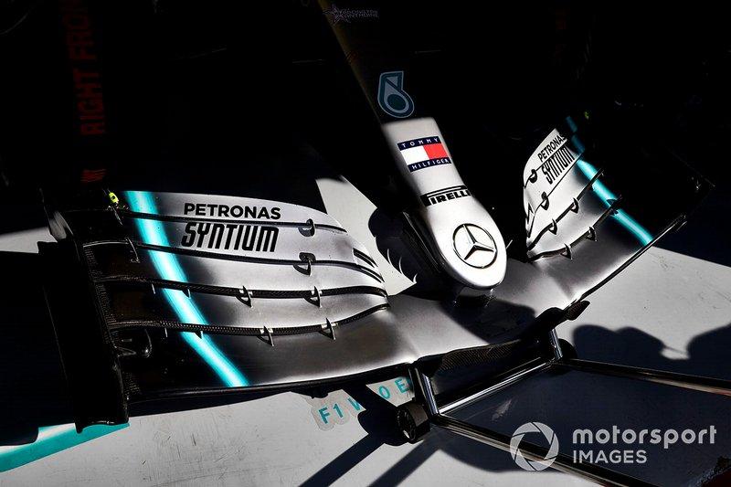 Mercedes AMG F1 W10, dettaglio dell'ala frontale
