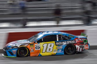 Kyle Busch, Joe Gibbs Racing, Toyota Camry M&M's Hazelnut