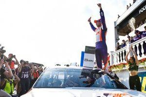 Ganador Denny Hamlin, Joe Gibbs Racing