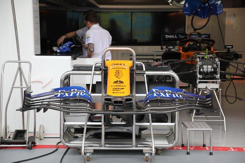 McLaren MCL34, asa dianteira