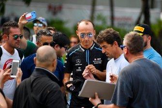 Robert Kubica, Williams Racing signs an autograph for a fan
