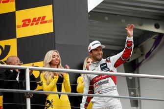 Подиум: обладатель третьего места Майк Роккенфеллер, Audi Sport Team Phoenix