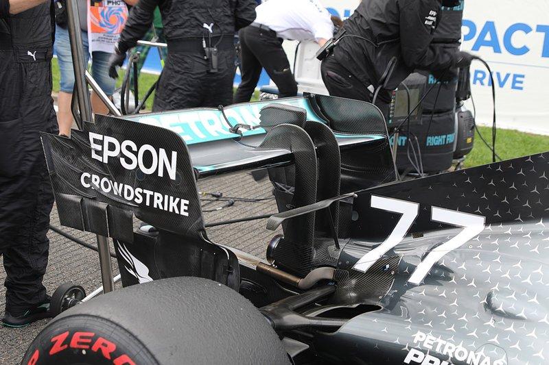 Valtteri Bottas, Mercedes AMG W10, dettaglio dell'ala posteriore
