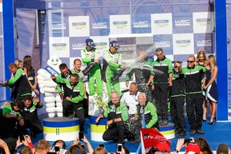 Les vainqueurs en WCR2 Pro, Kalle Rovanperä, Jonne Halttunen, Skoda Motorsport Skoda Fabia R5