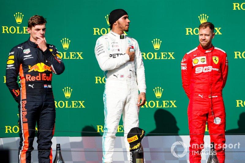 Max Verstappen, Red Bull Racing, il vincitore della gara Lewis Hamilton, Mercedes AMG F1 andSebastian Vettel, Ferrari sul podio