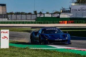 Valentino Rossi prueba el Kessel Racing Ferrari 488 GT3