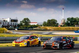 Tom Coronel, Boutsen Ginion Racing Honda Civic Type R, Santiago Urrutia, Team WRT Audi RS 3 LMS