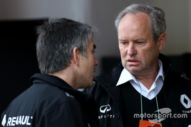 Jerome Stoll, Renault Sport F1 Präsident und Nick Chester, Technischer Direktor Renault Sport F1 Team