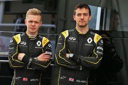 Jolyon Palmer, Renault Sport F1 Team avec Kevin Magnussen, Renault Sport F1 Team