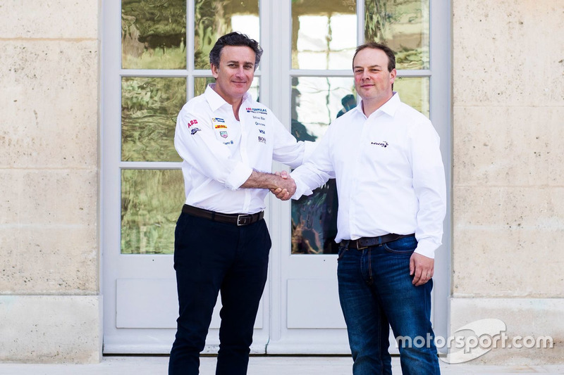 Alejandro Agag, CEO de Fórmula E, Ulrich Fritz, CEO de HWA AG