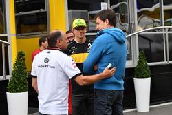 Frederic Vasseur, Sauber, Team Principal, Nico Hulkenberg, Renault Sport F1 Team and Toto Wolff, Mercedes AMG F1 Director of Motorsport
