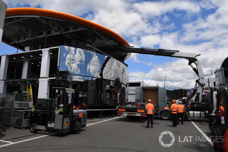 Le motorhome McLaren en construction