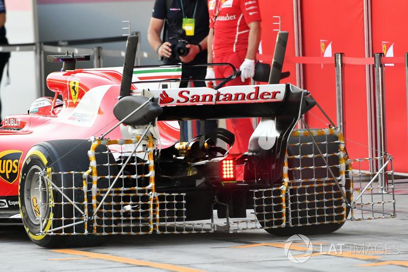 Kimi Räikkönen, Ferrari SF70H, avec des capteurs aérodynamiques sur l'aileron arrière