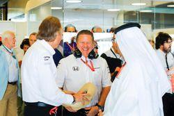 Zak Brown, Executive Director, McLaren Technology Group, Mansour Ojjeh and Sheikh Mohammed bin Essa