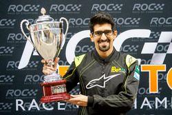 Ahmed Bin Khanen viert de winst in de ROC Factor Saudi Arabia