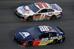 Alex Bowman, Hendrick Motorsports, Chevrolet Camaro Axalta Denny Hamlin, Joe Gibbs Racing, Toyota Camry FedEx Cares