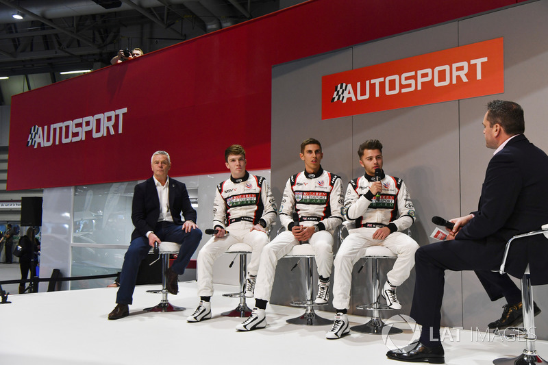 Derek Warwick, Dan Ticktum, Harrison Scott and Max Fewtrell talk to Henry Hope-Frost on the Autospor
