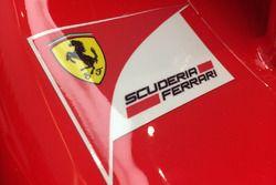 Logo della Scuderia Ferrari sulla carrozzeria della Ferrari SF70H