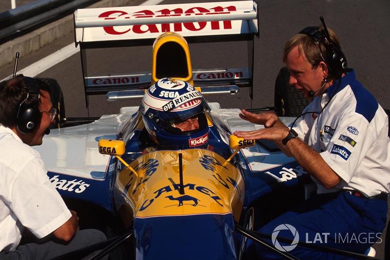 Alain Prost, Williams, en discussion avec ses ingénieurs de course