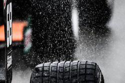 La pluie sur un pneu
