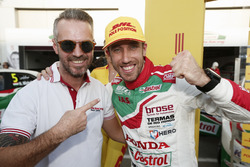 Pole position for Esteban Guerrieri, Honda Racing Team JAS, Honda Civic WTCC with Tiago Monteiro, Ho