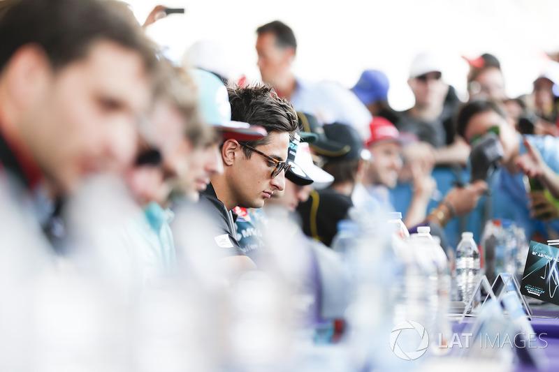 Mitch Evans, Jaguar Racing, at the autograph session