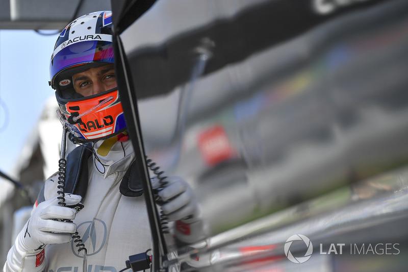 #7 Acura Team Penske Acura DPi, P: Graham Rahal