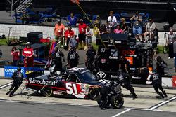 Kyle Busch, Kyle Busch Motorsports, Toyota Tundra Cessna makes a pit stop, Sunoco