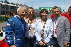 Jacques Villeneuve, Melanie Villeneuve, Joanne Villeneuve, et François Dumontier, promoteur du GP du Canada