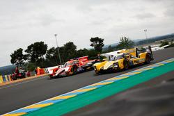 #40 G-Drive Racing Oreca 07 Gibson: James Allen, Jose Gutierrez, Enzo Guibbert voor #25 Algarve Pro Racing Ligier JSP217 Gibson: Mark Patterson, Ate de Jong, Tacksung Kim