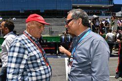 Niki Lauda, président non exécutif Mercedes AMG F1 et Alejandro Soberon, PDG CIE Group et président du Grand Prix du Mexique