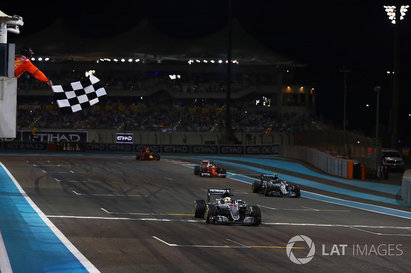 Yas Marina - Lewis Hamilton - 4 triunfos