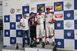 Podio Gara 1: il secondo classificato Simon Hultén, RPM Race Promote Scandinavia, il vincitore della gara Lorenzo Pegoraro, Best Lap, il terzo classificato Dario Capitanio, Best Lap