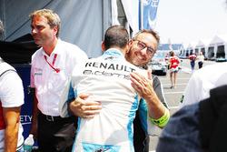 Sébastien Buemi, Renault e.Dams, celebates celebra con el premio Pole Position después de la calificación