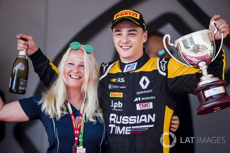Podium: Svetlana Strelnikova, Russian Time, Race winner Artem Markelov, RUSSIAN TIME