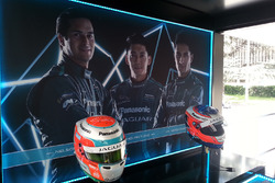 I caschi di Nelson Piquet Jr., Jaguar Racing e Mitch Evans, Jaguar Racing, in esposizione nello stand Panasonic Jaguar Racing