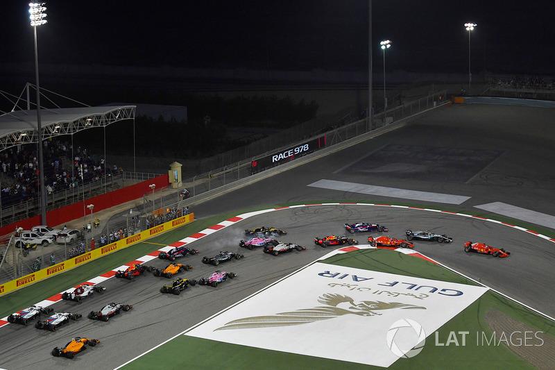 Start: Sebastian Vettel, Ferrari SF71H lider