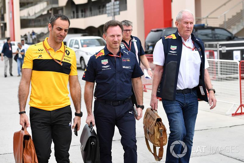 Руководитель Red Bull Racing Кристиан Хорнер, спортивный консультант Red Bull Хельмут Марко и управляющий директор Renault Sport F1 Сириль Абитбуль