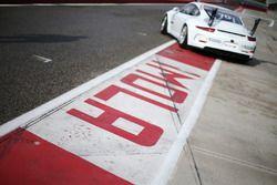 La Porsche 911 GT3 Guest Car in pit lane