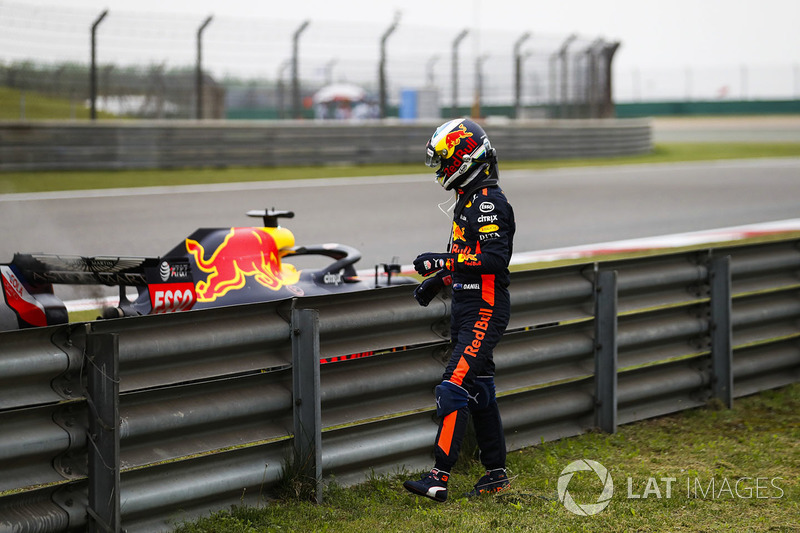 Daniel Ricciardo, Red Bull Racing, parks his car after suffering engine failure during practice