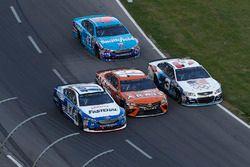 Ricky Stenhouse Jr., Roush Fenway Racing Ford, Daniel Suarez, Joe Gibbs Racing Toyota, Austin Dillon