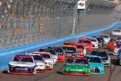 William Byron, JR Motorsports Chevrolet, Daniel Hemric, Richard Childress Racing Chevrolet