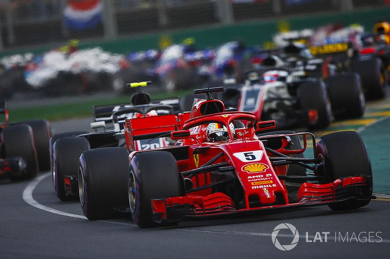 Sebastian Vettel, Ferrari SF71H, Kevin Magnussen, Haas F1 Team VF-18 Ferrari, Max Verstappen, Red Bull Racing RB14 Tag Heuer, Romain Grosjean, Haas F1 Team VF-18 Ferrari, startta