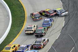 Jimmie Johnson, Jeff Gordon and Clint Bowyer wreck on the last restart