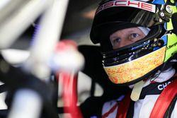 #18 KÜS Team75 Bernhard Porsche GT3 R: Jörg Bergmeister