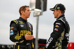 Casey Mears, Germain Racing Chevrolet, Greg Biffle, Roush Fenway Racing Ford