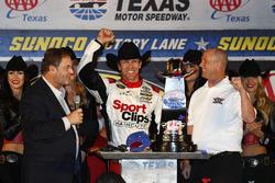 Sieger Carl Edwards, Joe Gibbs Racing, Toyota