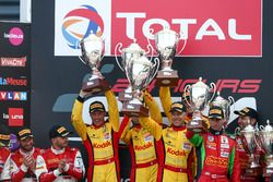 Podium Pro AM: #76 IMSA Performance, Porsche 911 GT3 R: Maxime Jousse, Thierry Cornac, Raymond Narac, Patrick Pilet
