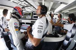 Jenson Button, McLaren with engineer Tom Stallard